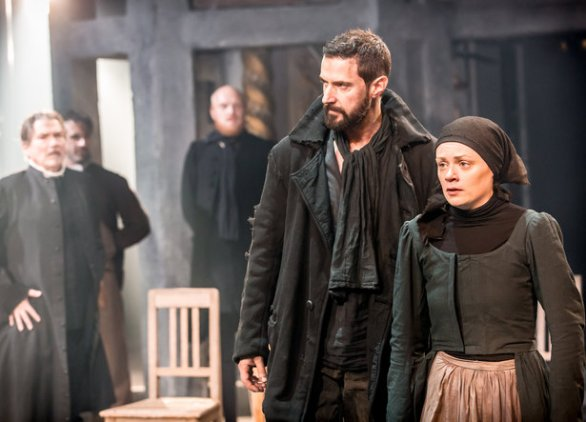 rsz_04311_the_old_vic_the_crucible_richard_armitage_john_proctor_and_natalie_gavin_mary_warren_photo_credit_johan_persson[1]