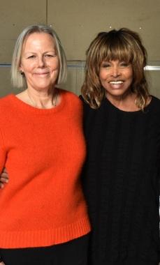 4. L-R Phyllida Lloyd and Tina Turner at TINA workshop December 2016 (Photo by Hugo Glendinning)