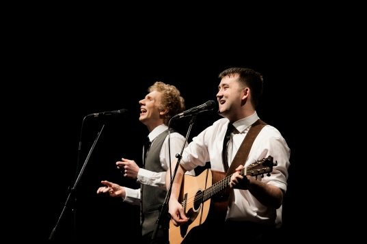 Charles Blyth & Sam O_Hanlon (l-r) in The Simon & Garfunkel Story. Photo by Jacqui Wilson 0044