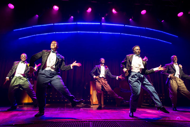 Five-Guys-Named-Moe-onstage2