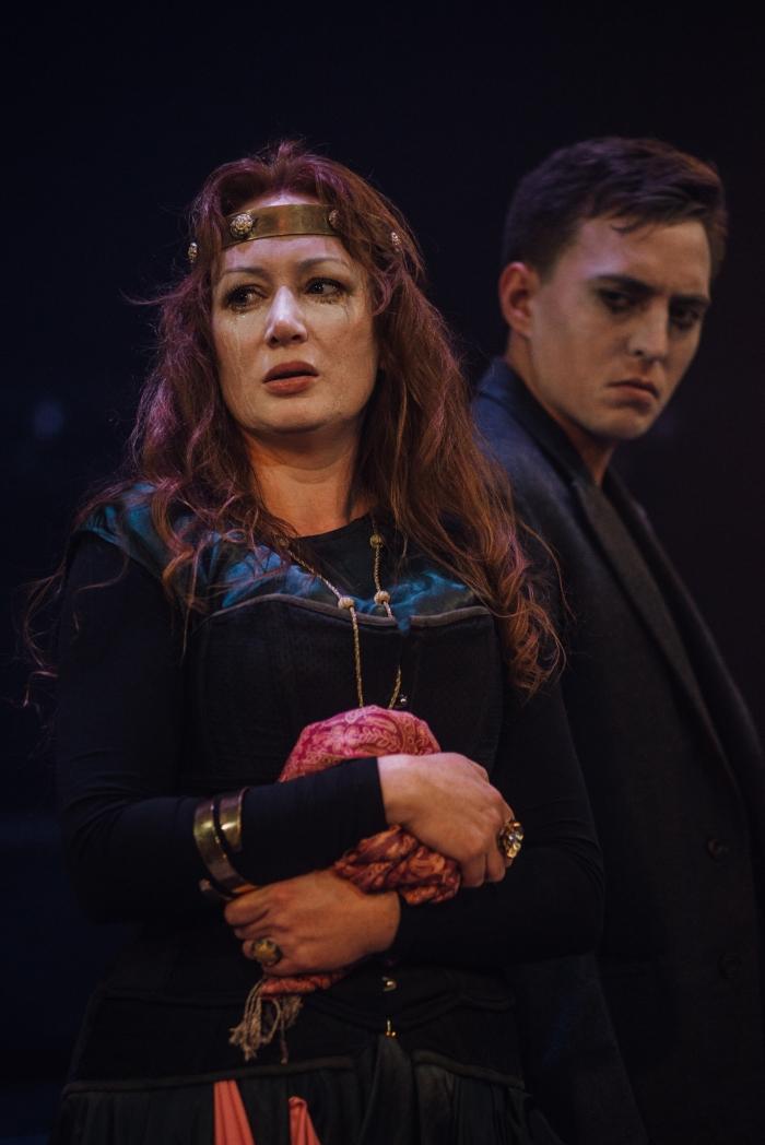 9-Helen Rose Hampton as Elizabeth with Alex Stevens as Lord Grey