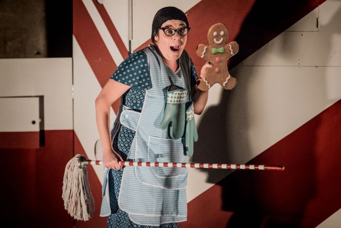 Pop-Up Opera, Hansel and Gretel (Photo by Robert Workman) 13_preview