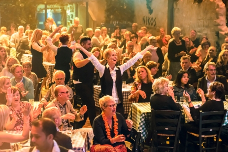 MAMMA MIA! THE PARTY Stockholm, credit Dewynters (4)